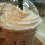 スターバックスコーヒー - ホワイトチョコレート&ピーチクリームフラペチーノ
