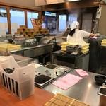 香の川製麺 - 厨房