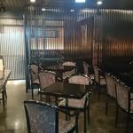 六本木 福鮨 - 個室を併設した、落ち着いた雰囲気のラウンジ