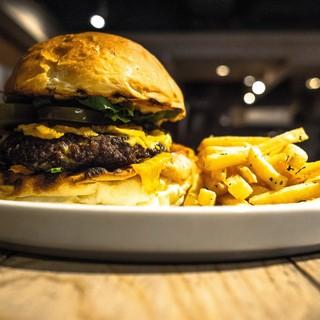 【ランチ限定】肉屋のチーズバーガー