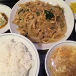 中華風家庭料理 開 - Aランチ 豚肉と玉ねぎの醤油炒め¥850