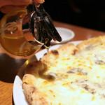 イタリアン・ビストロ・ヒライ - ハチミツはお好みで。 '16 1月上旬