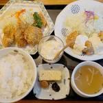 キッチン 中田中 - 【冬季限定】の『特選カキフライ』と『チキン南蛮』がセットになった選べる定食。