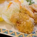 キッチン 中田中 - カキフライは、レモン派やソース派も考慮して、タルタルは別添えになってるのが親切です。