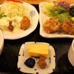 キッチン 中田中 - こちらは、チキン南蛮&から揚げの兄弟定食です(笑)。