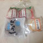 ハタダ - 料理写真:いちご大福、みかん大福、どら一