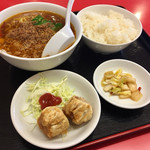 味珍 - 本格台湾ラーメン定食