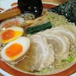 中華そば 浜田屋 県庁店 - 味たまとチャーシューが美味い