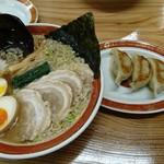 中華そば 浜田屋 - 料理写真:こてこて中華そば 餃子