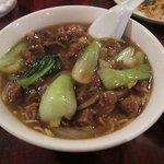 中華料理 美味城 - 紅煮込肉麺