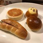 ベーカリー ピカソ - 買ったパン!