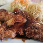 洋食屋チャーリー - トンテキ、甘辛のタレでごはんがすすむ!