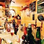 ワインと日本酒、時々シェリー - 店内