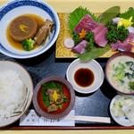 割烹しげはま - 料理写真:「鰤(ぶり)定食」(4000円)。鰤のお造りに鰤大根、鰤肝の旨煮、鰤汁、氷見産コシヒカリ、漬物付き