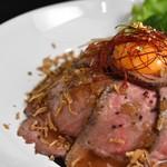 カフェ&バーマスタング - ローストビーフ丼