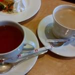パスティチュリア・デリチュース  - 紅茶と珈琲です♪
