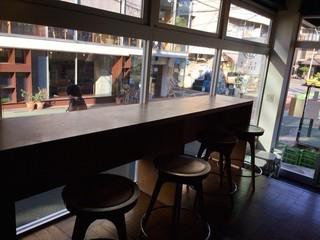 NOZY COFFEE 三宿店 - 一階カウンター席