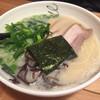 麺屋 富貴 - 料理写真:2017年1月中旬 とんこつラーメン 大盛 ¥600 + ¥100