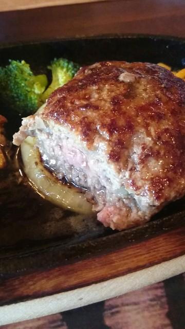 ステーキハウスTEXAS - 肉汁があふれてきます