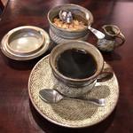 喫茶 美術館 - 炭火ブレンドコーヒー500円(税込)