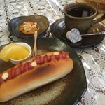 天茶 - 料理写真:ブレンドコーヒー380円とモーニング
