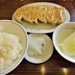 ぎょうざの満洲 - 焼餃子とライス