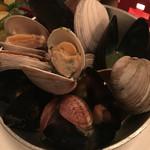 nikainowainsakaba - 貝の山盛り白ワイン蒸し