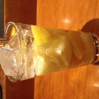 今、流行りのレモンサワー