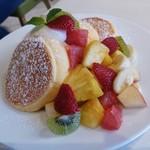 61528409 - 季節のフレッシュルフーツのパンケーキ フルーツたくさん!