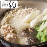 西麻布横丁 - ◆もん特製◆新鮮な大分地鶏で作るつくね鍋。鶏の出汁がしみ出たスープで作る〆のラーメンは最高!