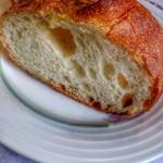 ベル・ブランシュ - おいしいフランスパン。