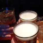 パパイヤリーフ - ビールとジンジャエールで乾杯!