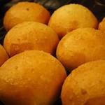 Bistro Sentiment - 自家製パン