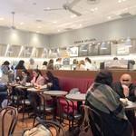 ディーン&デルーカ カフェ - 朝7時15分にはレジに行列