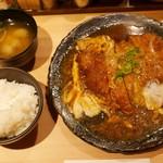豚屋とん一 - とんとじ定食(930円)