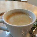 ママのえらんだ元町ケーキ - ドリンクはブレンドコーヒーです、しっかりコクのあるタイプをお願いしました(2017.1.22)