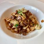 高田馬場 イタリア料理 フラットリア - パスタ:青森県産 鴨のラグーソース タリアッテレ(+500円)