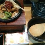 61543625 - 旨辛豚と自家製ラー油のお茶漬けは980円+旨塩ネギ100円