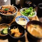 炉端の佐藤 - 豚丼(小)