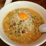 酔東坡 - 料理写真:紅のスープ担々麺 辛さひかえめ