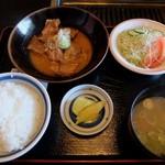 よかよか亭 - ホルモン煮込み定食 750円