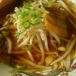 久香亭 - 鶏ガラ醤油風味のラーメン。