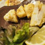 61554797 - 蓮根天ぷら食べかけ