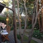 サザ コーヒー - お庭の1番奥からの眺め