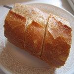 シェ・レノン - ランチのパン
