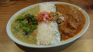 spiceスエヒロ - 2種のあいがけカレー(1000円)