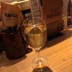 Amico - 樽生白ワイン、辛口です。