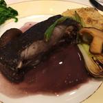 北島亭 - メイタガレイの赤ワイン煮