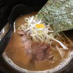 奨 TASUKU - 細麺。魚介の香り。
