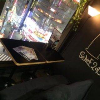 新宿の夜景を眺めるカップルシート♡